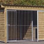 Hundeauslauf Forz mit isoliertem Schlafhaus, Plattform und Holzrahmen