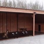 Hundezwinger aus Holz für zwei oder drei Hunde