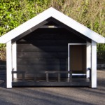 Hundehütte Snuf mit einer Veranda - Vorseite