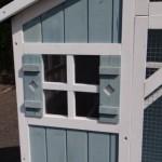 Voliere Amalia White-Blue Schlafhaus mit Fenster