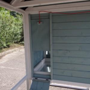 Hühnerstall Alexia - Öffnung zum Schützhaus
