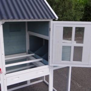 Hühnerstall Türe des Schlafhauses
