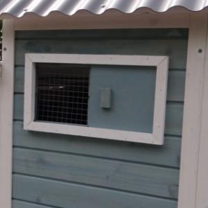 Hühnerstall Ariane Öffnung zum Schützhaus