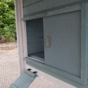 Hühnerstall Ariane Öffnung zum Schutzhaus