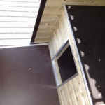 Hundehütte und Plattform Hundezwinger