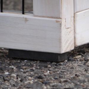 Kaninchenstall verfügt über Rubber-Füße.