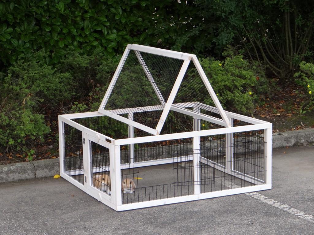 kaninchenstall rosanne mit universal auslauf rechts und multirun. Black Bedroom Furniture Sets. Home Design Ideas