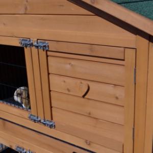 Kaninchenstall Excellent Medium mit Anbau-Auslauf rechts und nageschutz