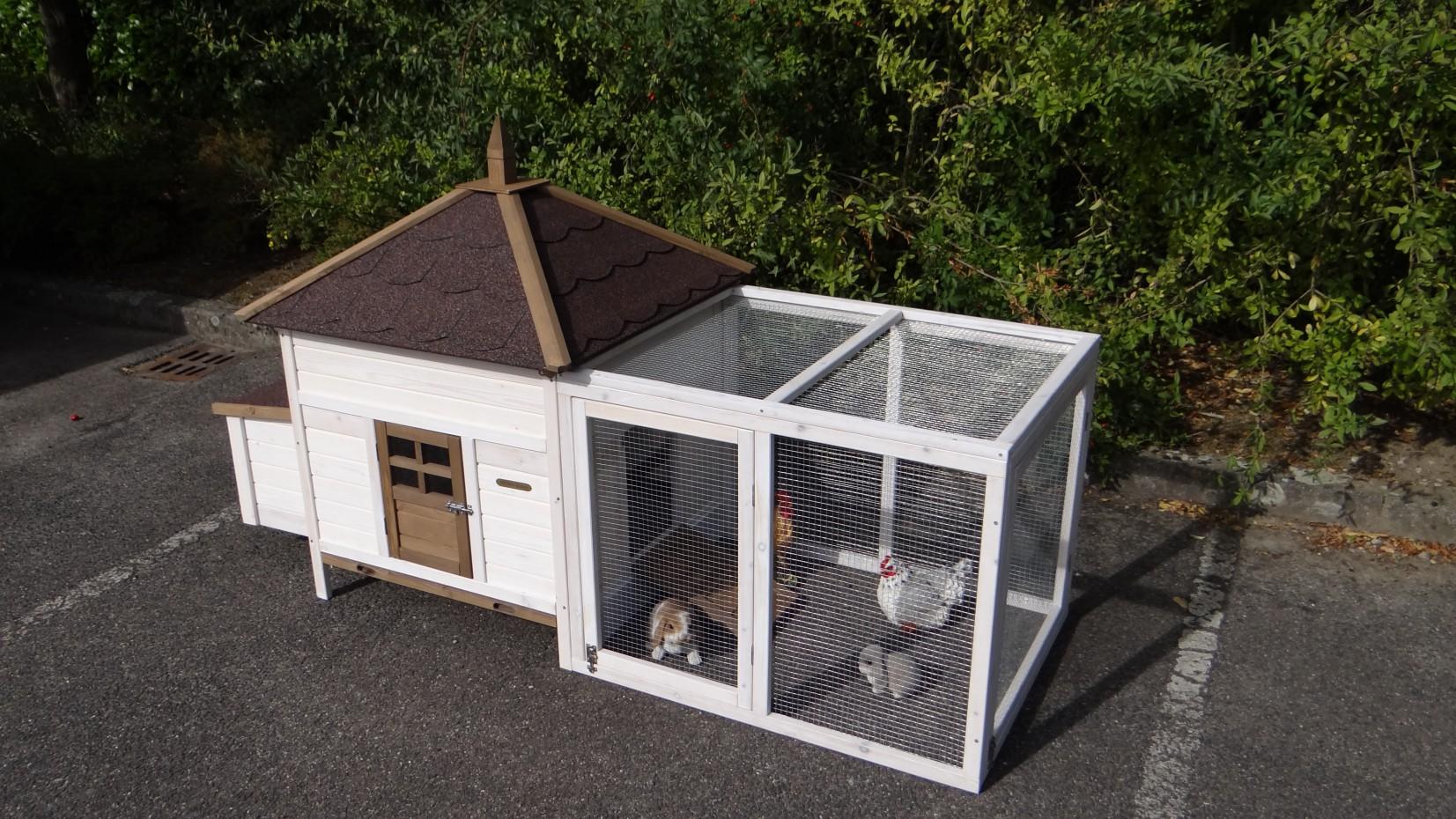 h hnerstall ambiance large mit anbau auslauf. Black Bedroom Furniture Sets. Home Design Ideas