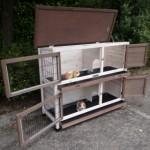 kaninchenstall mit geräumige Türen