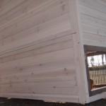 kaninchenstall mit Rückwand aus massivem Holz