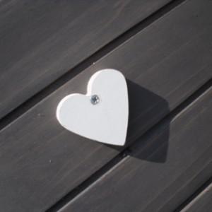 Weiß Herz auf Tür Kaninchenstall