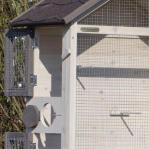Vogelkäfig mit praktische türen