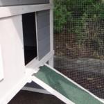 Öffnung schlafabteil kaninchenstall