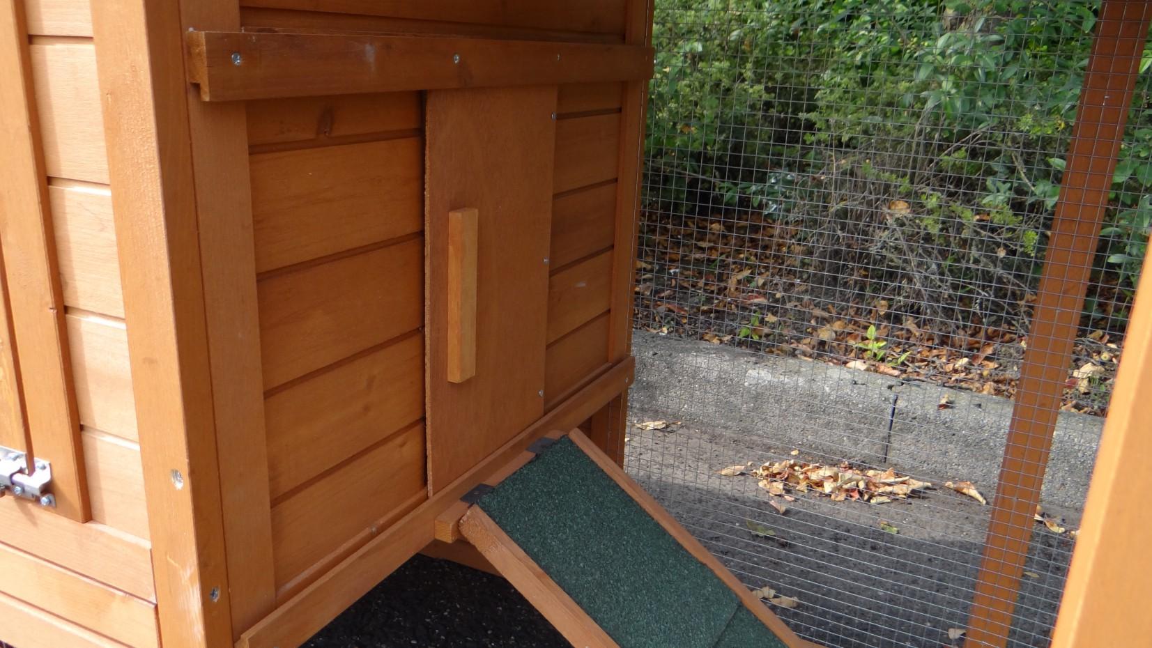 Kaninchenstall Budget Mit Kunststoff Dach 136x64x87