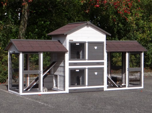 Kaninchenstall Double Medium White-brown mit 2 Auslaufflächen und Nageschutz 298x90x143cm