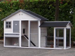 Hühnerstall Holiday Medium white-grey mit zusätzlichem Auslauf 289x80x151cm