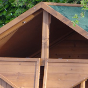 Hühnerhaus mit Dachboden