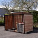 Hundezwinger FERM Schwarz mit Dach und Hundehütte Selekt 1,5 x 3m