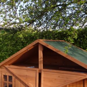 Hühnerstall mit Dachboden