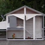 Hühnerstall Holiday Medium - mit großzügigen Türen